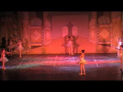El Cascanueces Danza de las Flautas.mpg