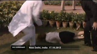 PM Gillardauf kleinen Fuß in Indien