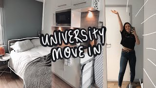 MOVING INTO UNIVERSITY  (+ room tour)