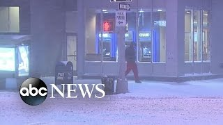 "Snow Covers New York City | ""WINTER WEATHER EMERGENCY"""
