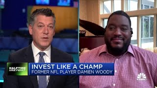 Former NFL player Damien Woody reveals what's in his portfolio