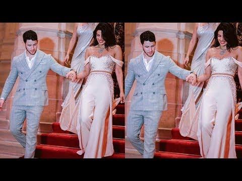 Priyanka Chopra having princess moment with hubby Nick Jonas at Wedding reception❤