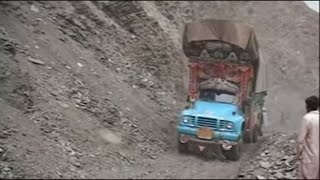 Deadliest Journeys - Pakistan, mountain top highway