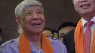 Nguyên Tổng Bí thư Lê Khả Phiêu: ''Con người FPT đã, đang luôn luôn đi tiên phong''