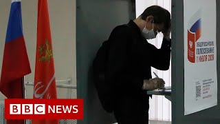 Russians vote on Putin's reforms to constitution – BBC News