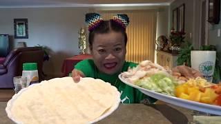 King Crab Wrap with salad-Very tasty กินเคบับปูอลาสก้ายักษ์คำใหญ่ตาสวดคือเก่า ตอน1