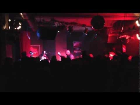 freddie foxxx - bumpy knuckles baby + industry shakedown (live in berlin) with dj premier