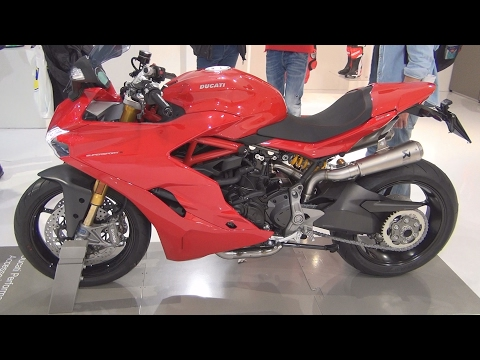 @DucatiMotor SuperSport S (2017) Exterior and Interior in 3D