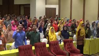"""Hebohnya Guru Muhammadiyah Menyanyikan Lagu  """"Semangat FGM"""""""