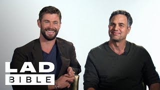 Thor: Ragnarok's Chris Hemsworth, Mark Ruffalo & Jeff Goldblum Talk Pints and Being Heroes