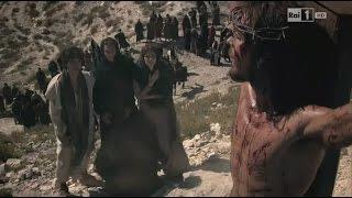 16 Đức Chúa Giêsu vác Thánh Giá -  Đức Chúa Giêsu chịu chết trên cây Thánh Giá