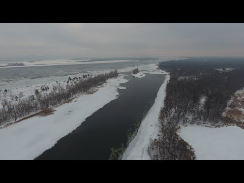 Рыбалка вдоль ледяного заберега. Александровский затон.