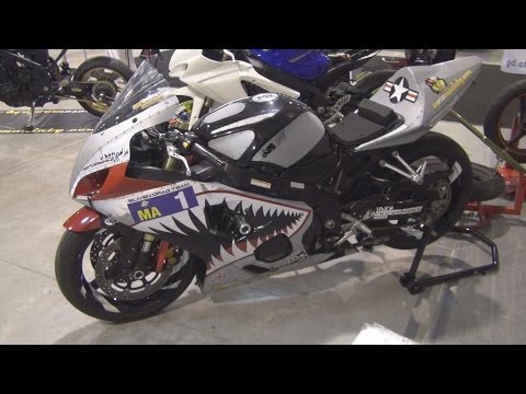 Suzuki GSXR K5 600 Tuned Exterior and Interior in 3D