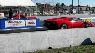 Drag race: Dodge Viper vs Lamborghini Diablo
