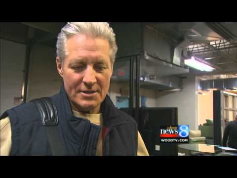 Bruce Boxleitner talks to Laff at the Movies 3-13-13