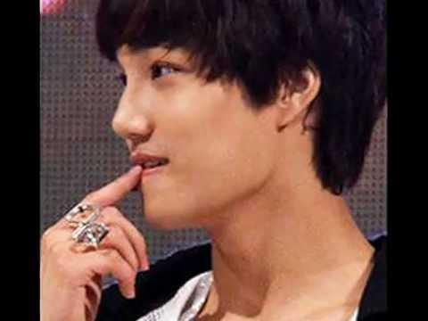 EXO-K KAI and his cute habit