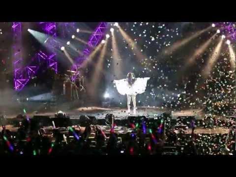 AMeiZING 2012@Melbourne 張惠妹世界巡迴演唱會(墨爾本站) - 聽海+ 我要快樂 (1080p)
