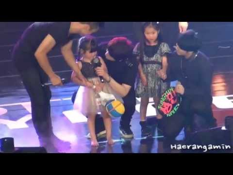 [Fancam] 140629 롯데팬미팅(Lotte Fanmeeting) Sungmin - 성민이랑 둘이~ ^^