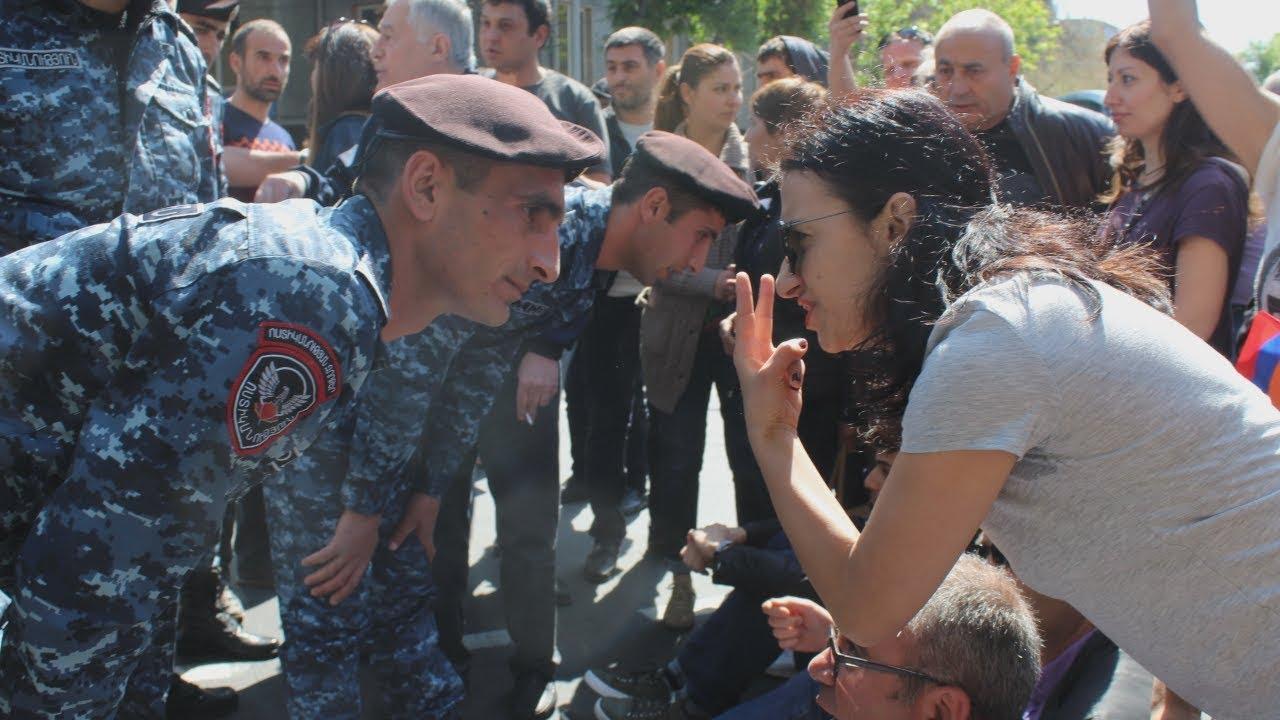 """""""Карапетян уходи"""": новый виток революции в Армении"""