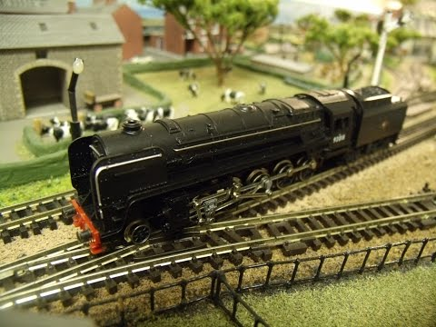 Hornby Minitrix 'N' Gauge No. 207 9F 2-10-0 Locomotive