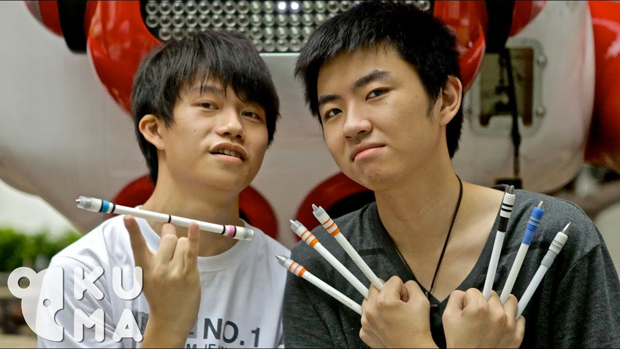 Jongler avec des stylos