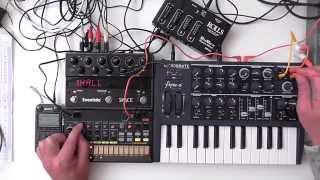 MicroBrute / Volca Beats - Minimal Bass ( Shadows )