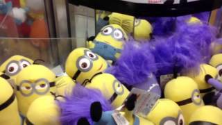 Cool Claw Machine Wins - Cubs Alien and Evil Minion from Despicable Me 2!!!