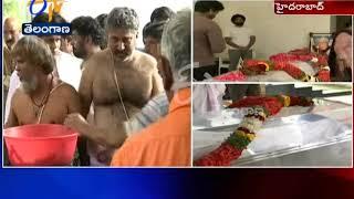 Rajeev Kanakala Inconsolable@ Devadas Kanakala Funeral Pro..