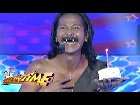 It's Showtime Kalokalike Face 3: Rene Requiestas