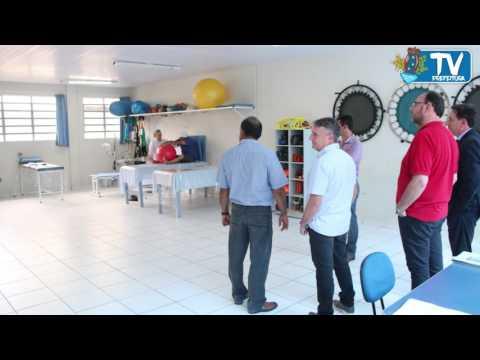Adelmo visita Faculdade Guairacá