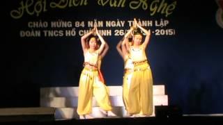 Múa Made in India do lớp 10A7 trường THPT Quang Trung biểu diễn