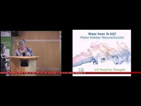 Mieke Wakker tijdens Food for Thought wetenschapsavond