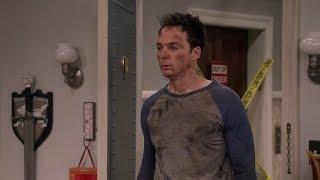 The Big Bang Theory - Sheldon wears flip flops