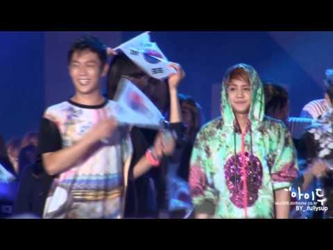 120814 선수들과 사진찍는 요섭, 춤추는 요섭, 대한민국화이팅 Yoseop(BEAST)