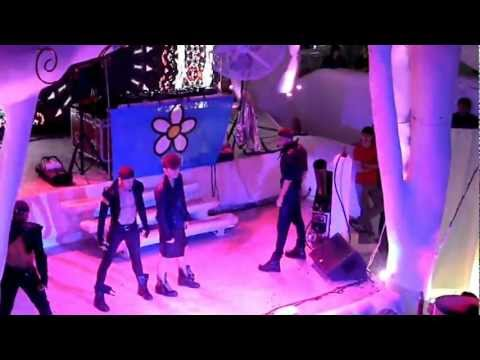 Kazaky - In the Middle, I'm Just a Dancer (Beach Club Ibiza, Odessa 2012)