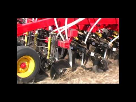 Bourgault 3310 Paralink Hoe Drill Operator's Video - Part 3 of 5