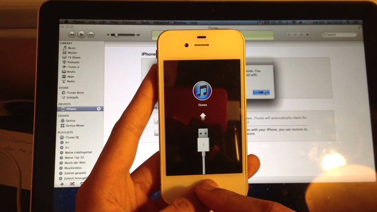 iphone 4s wont update fix ios 8 4 amp 8 3 iphone rebooting or stuck on apple 14461