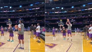 Anthony Davis Thumb Injury DOESN'T Look Serious, Warming Up Ahead Of Preseason Game