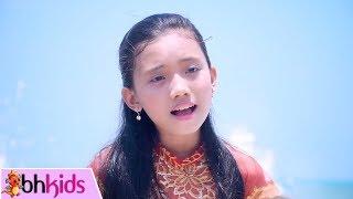 Gần Lắm Trường Sa Ơi - Bé Phương Anh [MV]