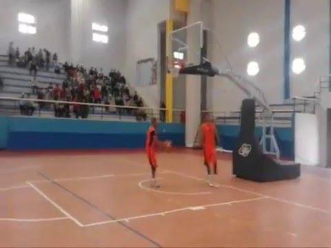 اعتدار امل تيزينت لكرة السلة
