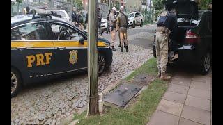 Após perseguição, criminosos são presos pela PRF e BM no Bairro Bela Vista, em Porto Alegre