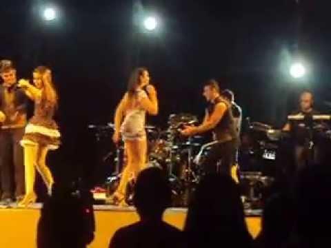 JOELMA CALYPSO se surprende com a trans quando sobe ao palco...