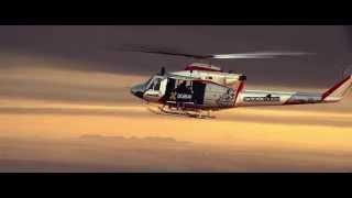 人間ジェットが美しいフォーメーションを組んで、ドバイ上空を飛行する模様です。