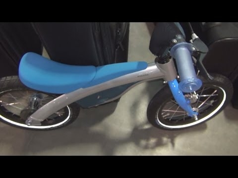 BMW Kidsbike Blue Exterior and Interior in 3D