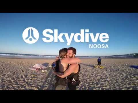 video Noosa 15,000ft Tandem Skydive (Weekend)