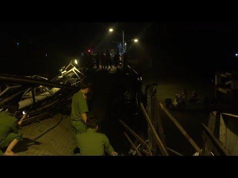 Khoảnh khắc sập cầu Long Kiển ở Sài Gòn lúc nửa đêm