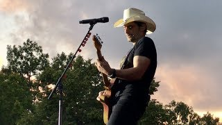 Brad Paisley Live – Weekend Warrior World Tour (July 24 2017 Gävle, Sweden)