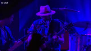 Hot Chip - Alley Cats (Live at Glastonbury 2015) 6/14