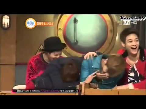 Onew got angry to Minho and hit Jonghyun  lol