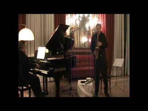 Arno Bornkamp: Debussy Rhapsodie pour Orchestre et Saxophone part 1